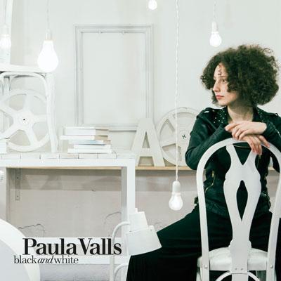 Paula Valls - Black and White