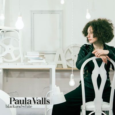 Paula Valls - Black and White